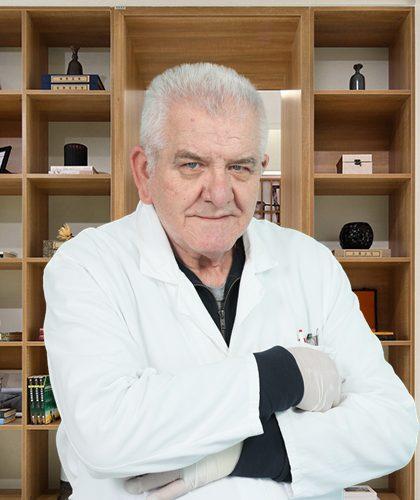 Dr Branislav Petrović